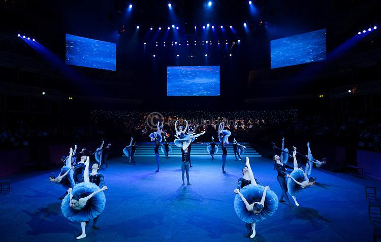 "English National Ballet. ""Strictly Gershwin""."