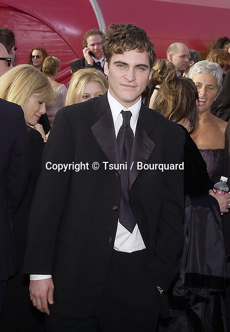 Best Supporting Nominee for his performance in Gladiator, Juaquin Phoenix arrives for the 73rd Annual Academy Awards at the Shrine Auditorium in Los Angeles, Sun. March 25, 2001.  © Tsuni          -            PhoenixJoaquim.jpg