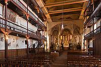 Europe/France/Aquitaine/64/Pyrénées-Atlantiques/Pays-Basque/Ciboure:  Eglise St-Vincent - Intérieur: le retable et la triple galerie