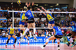11.05.2019, Scharrena, Stuttgart<br />Volleyball, Bundesliga Frauen, Play-offs Finale, 5. Spiel, Allianz MTV Stuttgart vs. SSC Palmberg Schwerin<br /><br />Angriff Jana Franziska Poll (#9 Stuttgart) - Block  / Dreierblock Britt Bongaerts (#7 Schwerin), Lauren Barfield (#12 Schwerin), Jennifer Geerties (#6 Schwerin)<br /><br />  Foto © nordphoto / Kurth