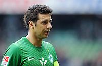 FUSSBALL   1. BUNDESLIGA   SAISON 2011/2012   32. SPIELTAG SV Werder Bremen - FC Bayern Muenchen               21.04.2012 Claudio Pizarro (SV Werder Bremen) ist nach dem Abpfiff enttaeuscht