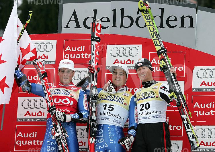 Ski Alpin;  Saison 2006/2007   05.01.2007 42. Weltcup Riesenslalom  Herren JUBEL; Daniel Albrecht (SUI,li) belegt Platz 2; Sieger Marc Berthod (SUI,mitte) und Hannes Reichelt (AUT) belegt Platz 3.
