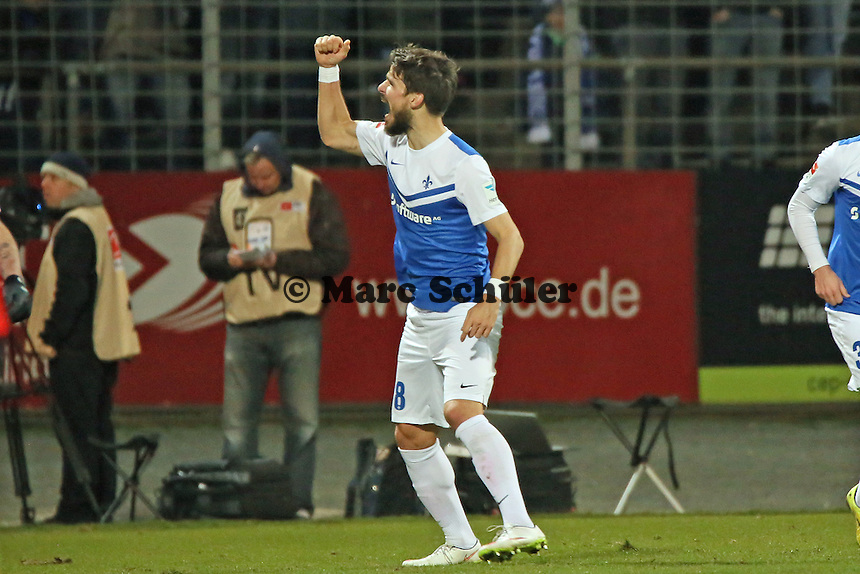 Romain Bregerie (SV98) beim Torjubel nach dem 2:0  - SV Darmstadt 98 vs. 1. FC Union Berlin, Stadion am Boellenfalltor