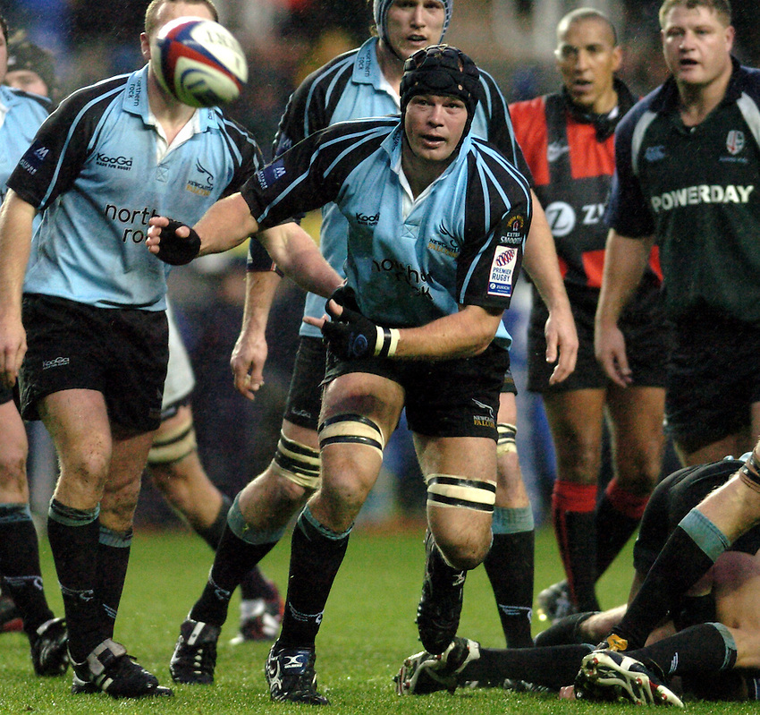 Photo. Henry Browne..23/11/2003..London Irish v Newcastle Falcons. .Zurich Premiership..Stuart Grimes.