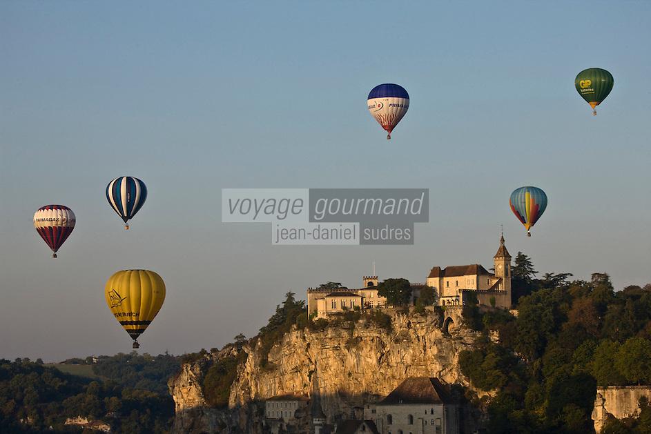 Europe/France/Midi-Pyrénées/46/Lot/Rocamadour: Concentration de montgolfières- décollage des montgolfières du canyon de l'Alzou  // France, Lot, Haut Quercy, Rocamadour, a stop on el Camino de Santiago, hot air balloon