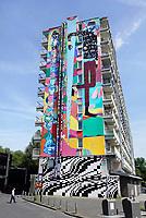 Nederland Amsterdam 2019 . De Bijlmer. Muurschildering van Ramon Guimaraes op een flat in de H-Buurt. Foto Berlinda van Dam / Hollandse Hoogt