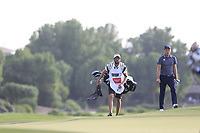 Danny Willett (ENG) playing onto the 15th green during the 2nd round of the DP World Tour Championship, Jumeirah Golf Estates, Dubai, United Arab Emirates. 16/11/2018<br />