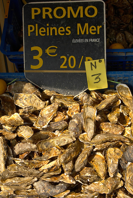 Cancale ; Oysters ; oyster ; Creuse ; Creuses ; Huitre ; Huitres ; Pleines ; Mer ; Brittany ; famous ; sea ; seafood ; food ; shell ; shell fish ; fresh ; produce ; production ; farm ; farms ; Mont Saint-Michel; Mont; Saint; Michel; Mount; St; Michael; France; Bay ;  travel; tourist; traveller; sight; tour; visitors; tide; French