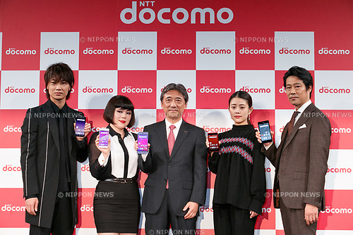 Actors Go Ayano, Buruzon Chiemi, NTT DOCOMO President Kazuhiro Yoshizawa, actress Mitsuki Takahata and actor Shinichi Tsutsumi, pose for cameras during the launch event for 8 new mobile devices for the summer lineup on May 24, 2017, Tokyo, Japan. DOCOMO introduced seven new smartphones and one tablet along with a new app and service plans. (Photo by Rodrigo Reyes Marin/AFLO)