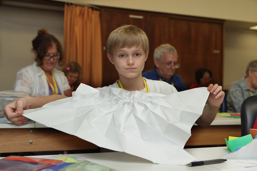 Jack odonnell folded designer chris palmers origami flower tower jack odonnell folded designer chris palmers origami flower tower cribb visuals mightylinksfo