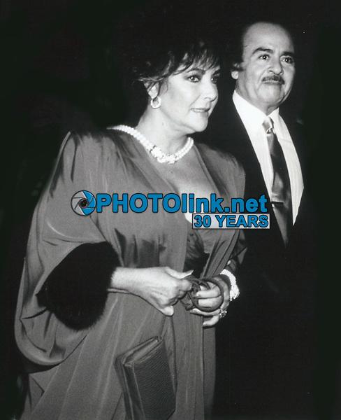 Elizabeth Taylor & Adnan Khashoggi 1981<br /> Photo By John Barrett-PHOTOlink.net