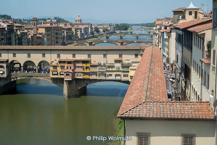 Ponte Vecchio and the River Arno, Florence, Italy.