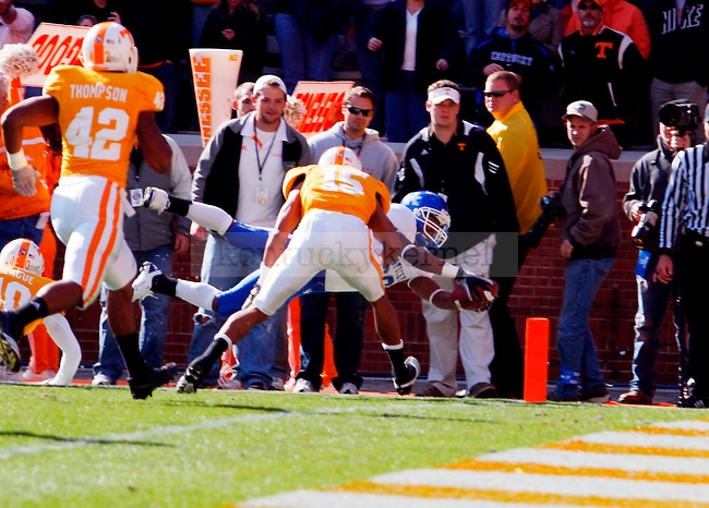 Derrick Locke scores the first touchdown of the game in the first half of UK vs Tennessee at Neyland Stadium on Saturday, Nov. 27, 2010. Photo by Britney McIntosh | Staff
