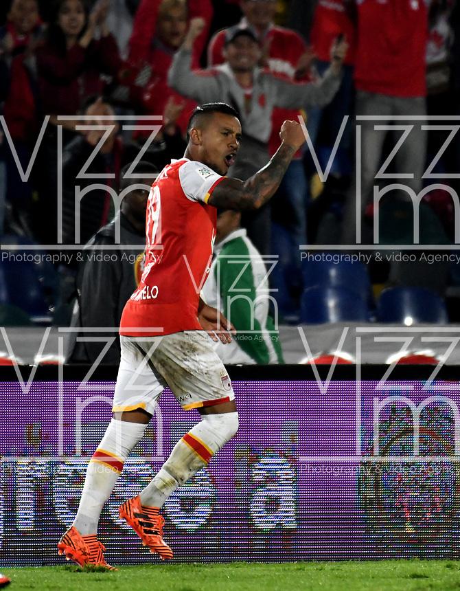 BOGOTA - COLOMBIA - 30 - 11 - 2017: Wilson Morelo, jugador de Independiente Santa Fe, celebra el gol anotado a Jaguares F. C., durante partido de vuelta de los cuartos de final entre Independiente Santa Fe y Jaguares F. C., de la Liga Aguila II 2017 en el estadio Nemesio Camacho El Campin de la ciudad de Bogota.  / Wilson Morelo, player of Independiente Santa Fe, celebrates a goal scoring to Jaguares F. C., during a match between Independiente Santa Fe y Jaguares F. C., of the quarter of finals for the Liga Aguila II 2017 at the Nemesio Camacho El Campin Stadium in Bogota city, Photo: VizzorImage / Luis Ramirez / Staff.
