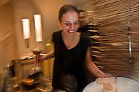 Europe/France/Bretagne/56/Morbihan/Vannes:   Service au Restaurant Le Roscanvec