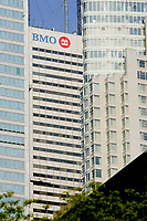 Toronto (ON) CANADA, May 24, 2007....Bank of Montreal and other buildings in downtown Toronto....Photo by Pierre Roussel - Images Distribution