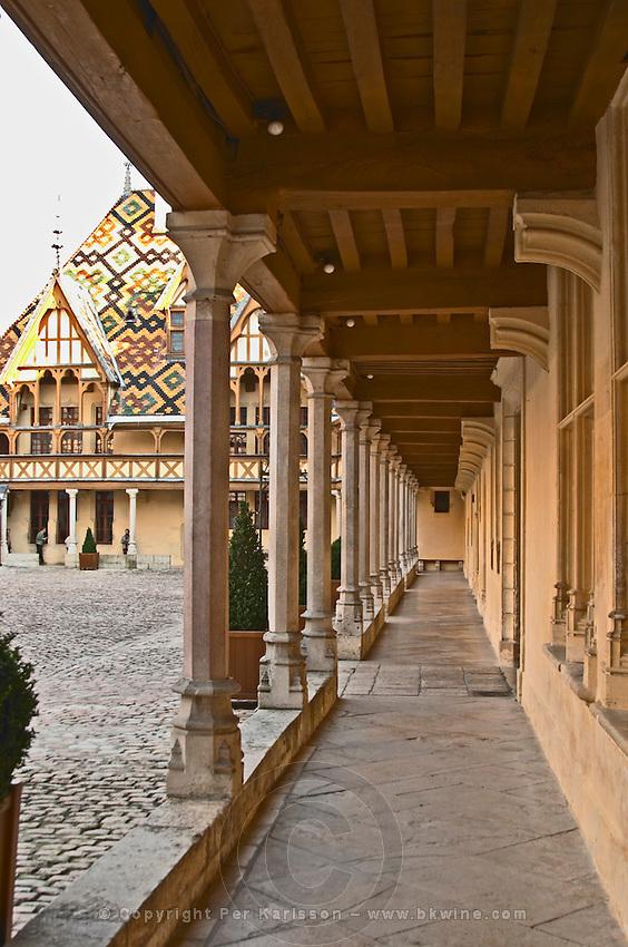 hospices de beaune, hotel dieu court yard beaune cote de beaune burgundy france
