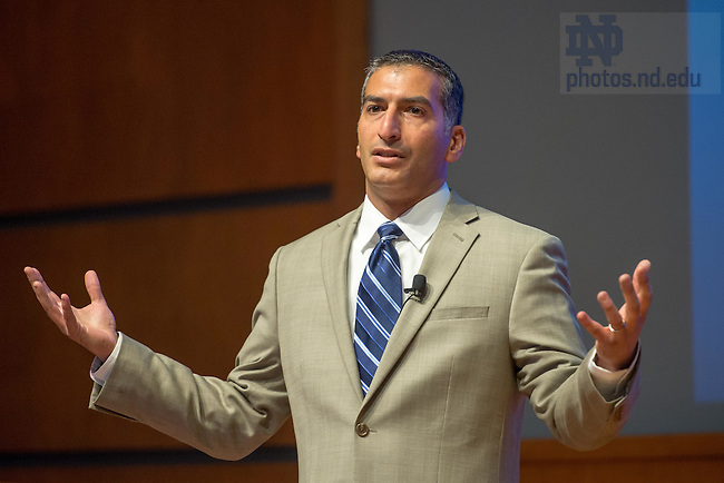 "Apr. 24, 2015; Anthony Jowid, COO & Principal, Allied Argenta, LLC, speaks in the Jordan Auditorium as part of the ""Ten Years Hence"" lecture series. (Photo by Matt Cashore/University of Notre Dame)"