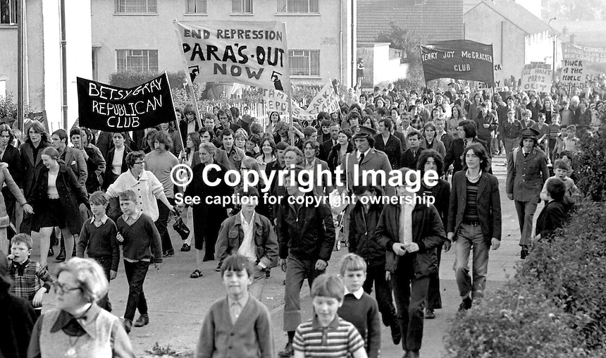 Residents of the Ballymurphy housing estate in Belfast, N Ireland, parade in protest against the presence of the British Army's Parachute Regiment in their district. 197210150628b..Copyright Image from Victor Patterson, 54 Dorchester Park, Belfast, UK, BT9 6RJ..Tel: +44 28 9066 1296.Mob: +44 7802 353836.Voicemail +44 20 8816 7153.Skype: victorpattersonbelfast.Email: victorpatterson@me.com.Email: victorpatterson@ireland.com (back-up)..IMPORTANT: If you wish to use this image or any other of my images please go to www.victorpatterson.com and click on the Terms & Conditions. Then contact me by email or phone with the reference number(s) of the image(s) concerned.
