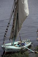 Afrique/Egypte/Louxor/Ancienne Thèbes: Felouque au bord du Nil