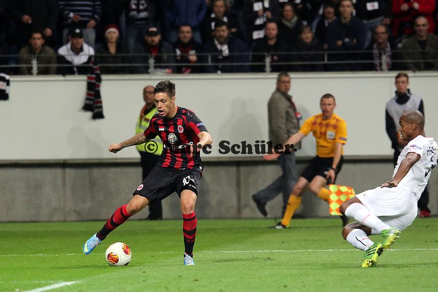 Henrique (Brdeaux) gegen Vaclav Kadlec (Eintracht) - 1. Spieltag der UEFA Europa League Eintracht Frankfurt vs. Girondins Bordeaux