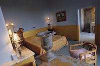 """Europe/France/Languedoc-Roussillon/30/Gard/Blauzac: Détail d'une chambre de la Maison d'Hotes """"La Maison"""" place de l'église"""