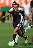 Washington Freedom forward Lisa de Vanna (17).  Washington Freedom defeated The Chicago Red Stars 0-0  at RFK Stadium, Saturday June 13, 2009.