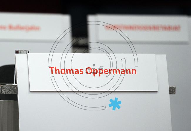 Der leere Sitzplatz von Thomas Oppermann beim SPD Bundesparteitag im Congress Center Leipzig (CCL) an der Neuen Messe in Leipzig vom 14.11.-16.11.2013. <br />  Foto: Norman Rembarz