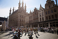 race start in front of the historic city hall of Leuven<br /> <br /> GP Jef Scherens 2015