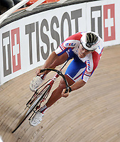 CALI – COLOMBIA – 28-02-2014: Viktor Manakov de Rusia durante prueba de la Vuelta Lanzada del Omnium Hombres en el Velodromo Alcides Nieto Patiño, sede del Campeonato Mundial UCI de Ciclismo Pista 2014. / Viktor Manakov of Russia during the test of Men´s Omnium Flyng Lap in Alcides Nieto Patiño Velodrome, home of the 2014 UCI Track Cycling World Championships. Photos: VizzorImage / Luis Ramirez / Staff.
