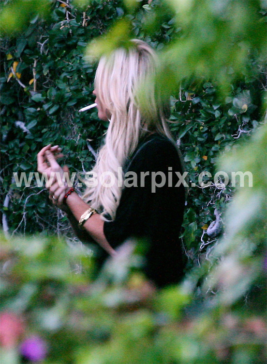 **ALL ROUND PICTURES FROM SOLARPIX.COM**.**SYNDICATION RIGHTS FOR UK ONLY**.Lindsay Lohan seen shopping in West Hollywood at The Grove Farmer's Market before heading to her lawyers office in LA USA..JOB REF: 5099         RYS        DATE:19.10.07.**MUST CREDIT SOLARPIX.COM OR DOUBLE FEE WILL BE CHARGED* *UNDER NO CIRCUMSTANCES IS THIS IMAGE TO BE REPRODUCED FOR ANY ONLINE EDITION WITHOUT PRIOR PERMISSION*