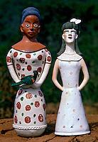 Bonecas de barro, Vale do Jequitinhonha. Foto de Ricardo Azoury.