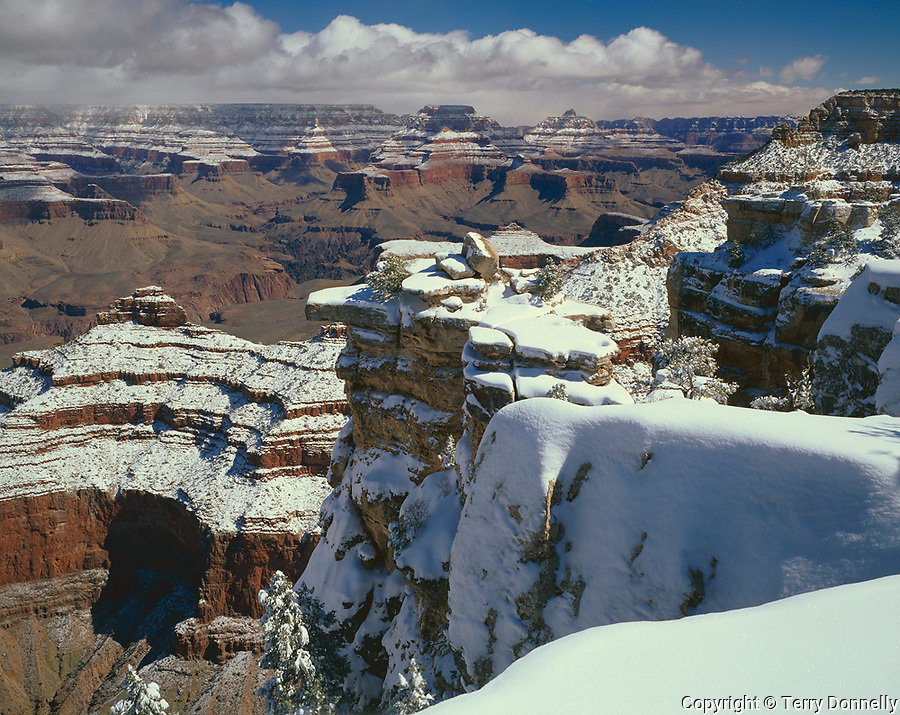 Grand Canyon National Park, AZ   <br /> Heavy layer of snow on South Rim near Mather Point