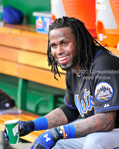 New York Mets shortstop Jose Reyes (7) cools off in the dugout before the game against Washington Nationals at Nationals Park in Washington, D.C. on Friday, July 29, 2011..Credit: Ron Sachs / CNP.(RESTRICTION: NO New York or New Jersey Newspapers or newspapers within a 75 mile radius of New York City)
