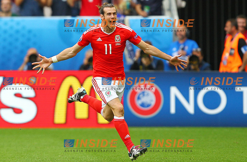 Gareth Bale of Wales celebrates scoring the opening goal <br /> Bordeaux 11-06-2016 Stade de Brodeaux football Euro2016 Wales - Slovakia / Galles - Slovacchia Group Stage Group B. Foto Imago / BPI / Insidefoto