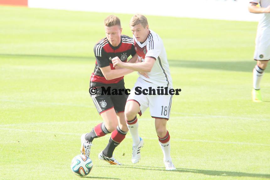 Toni Kroos gegen Jannik Haberer (U20) - Testspiel der Deutschen Nationalmannschaft gegen die U20 zur WM-Vorbereitung in St. Martin