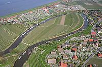 4415/Kirschbluete:DEUTSCHLAND, NIEDERSACHSEN,  26.04.2005: Kirchbluete an der Elbe, Luehe, Luehedeich, Stade,  Fluss, Luftbild