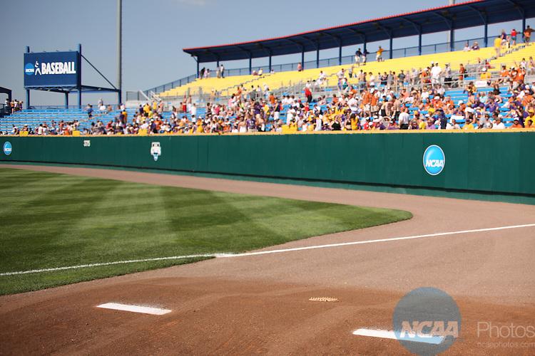 22 JUNE 2009:  Louisiana State University takes on the University of Texas during the Division I Men's Baseball Championship held at Rosenblatt Stadium in Omaha, NE.  Jamie Schwaberow/NCAA Photos