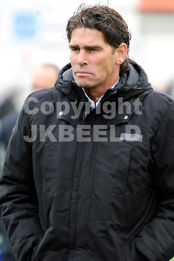 GENEMUIDEN - Voetbal, SC Genemuiden - Spakenburg, Topklasse, seizoen 2011-2012, 21-04-2012, Spakenburg trainer Andre Paus.