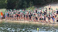Erste Startergruppe steht beim MöWathlon am Badesee Walldorf bereit - Mörfelden-Walldorf 15.07.2018: 10. MöWathlon