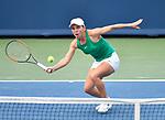 Simona Halep (ROU) defeated Aryna Sabalenka (BLR) 6-3, 6-4