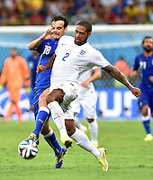 FUSSBALL WM 2014  VORRUNDE    Gruppe D     England - Italien                         14.06.2014 Marco Parolo (li, Italien) gegen Glen Johnson (re, England)
