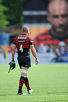 Steve Borthwick of Saracens leaves the pitch after sustaining an injury during his last home game for his club during the Aviva Premiership semi final match between Saracens and Harlequins at Allianz Park on Saturday 17th May 2014 (Photo by Rob Munro)