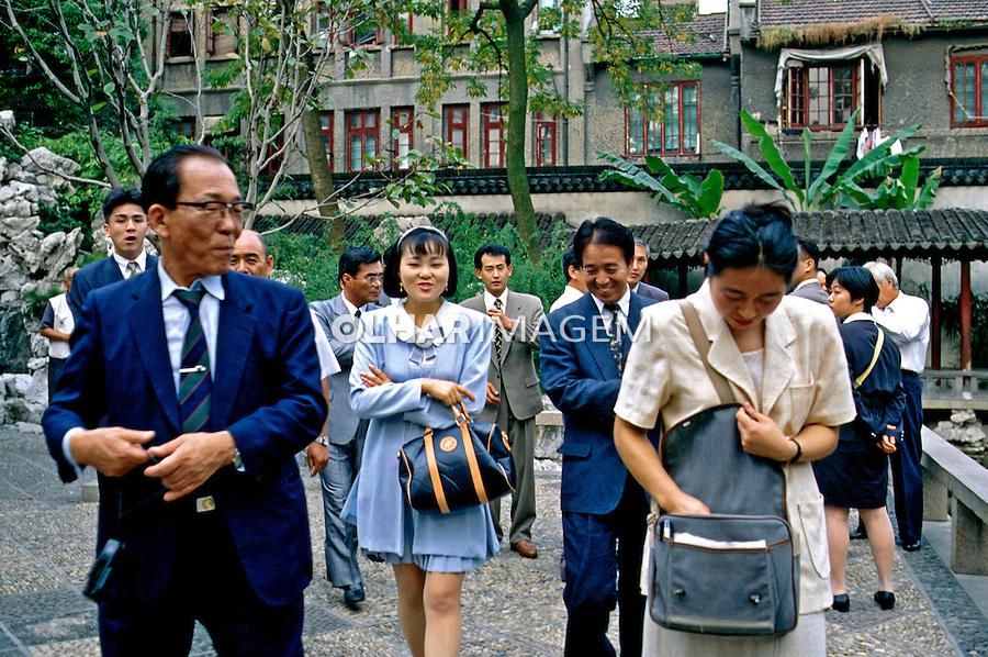 População de chineses em Shangai. China. 1994. Foto de Nair Benedicto.