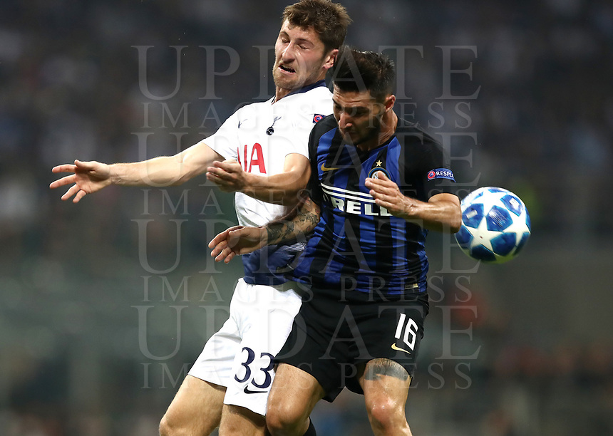 Football Soccer: UEFA Champions League FC Internazionale Milano vs Tottenham Hotspur FC, Giuseppe Meazza stadium, September 15, 2018.<br /> Tottenham's Ben Davies (l) in action with Inter's Matteo Politano (r) during the Uefa Champions League football match between Internazionale Milano and Tottenham Hotspur at Giuseppe Meazza (San Siro) stadium, September 18, 2018.<br /> UPDATE IMAGES PRESS/Isabella Bonotto