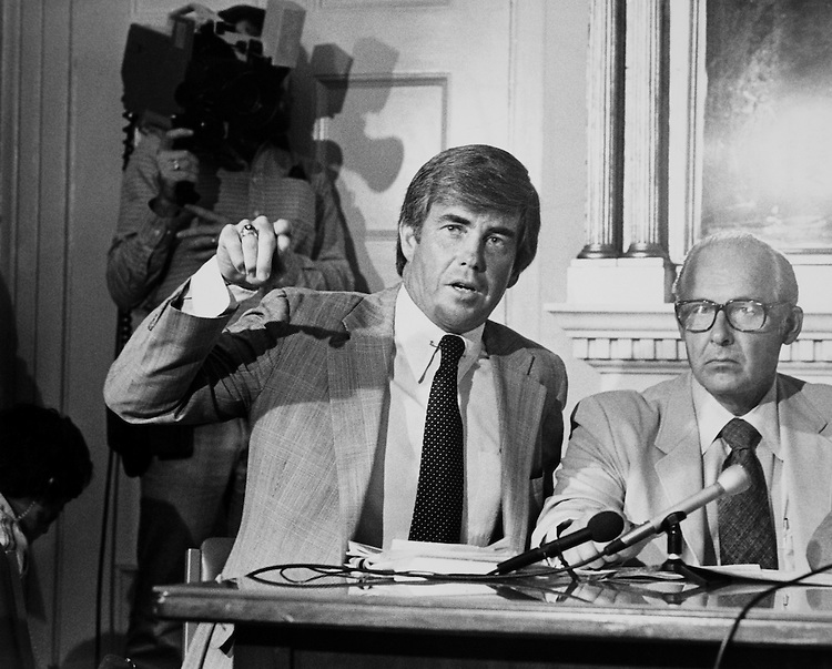Jack Kemp giving speech in conference. (Photo by CQ Roll Call)