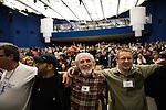 Europäischer Kabbala Kongress, Berlin Kino KOSMOS 28-30.01.2011. Umarmung als Symbol der Einheit.