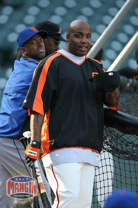 SAN FRANCISCO - May 8:  Barry Bonds of the San Francisco Giants jokes around and smiles while taking batting practice before the game against the New York Mets at AT&T Park in San Francisco, California on May 8, 2007. (Photo by Brad Mangin)