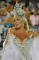 RIO DE JANEIRO, RJ, 21 DE FEVEREIRO DE 2012 - Desfiles das Escolas de Samba do Grupo Especial -  A atriz Suzana Vieira, durante o desfile da escola de samba Grande Rio  na Marquês de Sapucaí. FOTO GLAICON EMRICH - AGÊNCIA BRAZIL PHOTO PRESS