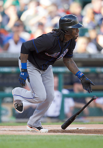 June 28, 2011:  New York Mets shortstop Jose Reyes (#7) runs to first base after hitting a single during MLB game action between the New York Mets and the Detroit Tigers at Comerica Park in Detroit, Michigan.  The Mets defeated the Tigers  14-3.